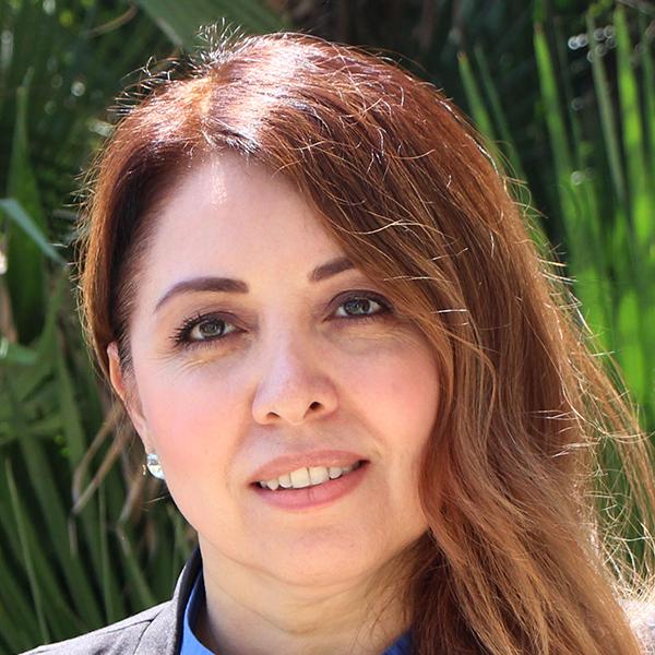 Staff_P2I__0009_Elidia-Valencia